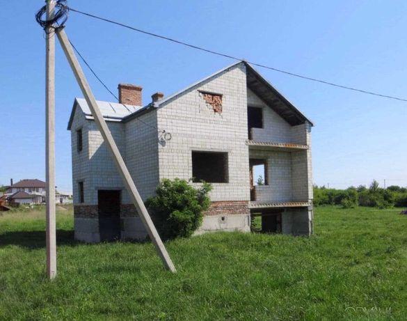 Продаж будинку у с. Ременів. 236м2 , 20 сотих ділянка