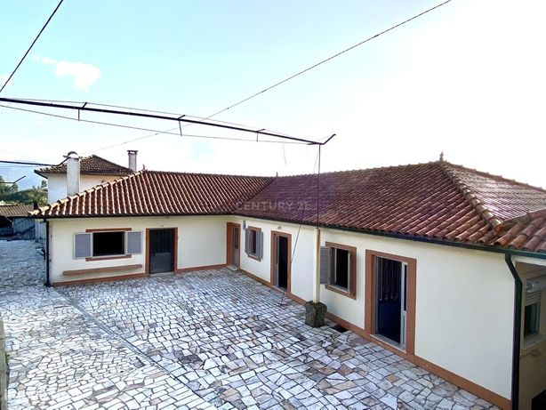 Moradia T4 em Travassos, Póvoa de Lanhoso