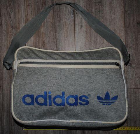 Тканевая мягкая небольшая спортивная сумка Адидас 38 см в хор. сост.