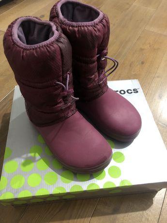Продам детские сапоги CROCS crocband winter boot plaid W6