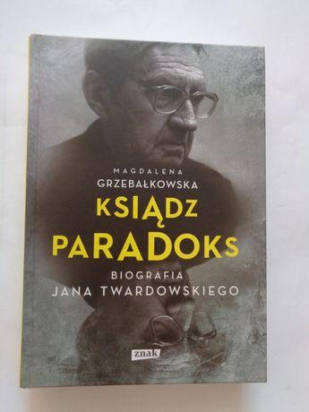 Ksiądz Paradoks; M. Grzebałkowska