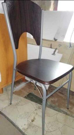 Stół i krzesła do kuchni