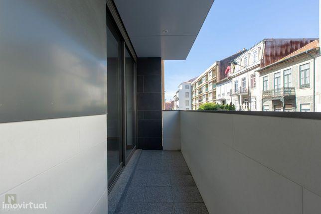 Apartamento T2 novo com varanda, Boavista