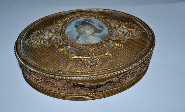 старинная французкая шкатулка бронза с портретом девушки подпись клейм