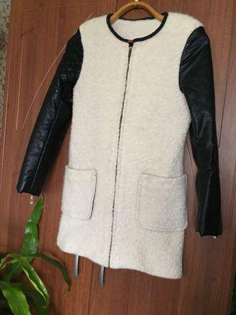 Лёгкая куртка-пальто 400₽