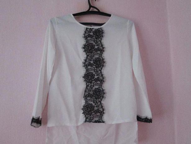 Блуза белая с кружевом