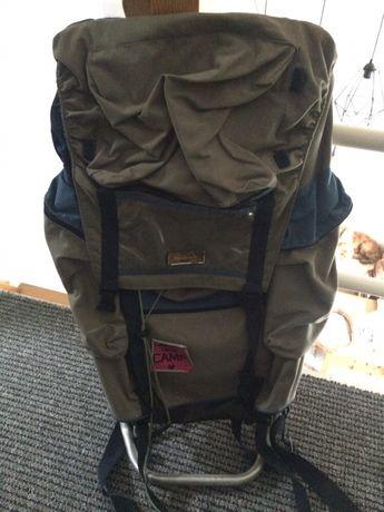 Plecak ze stelażem aluminiowym duży plecak wyprawowy trekkingowy góry
