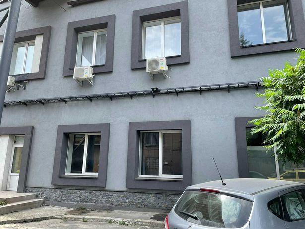 Аренда офиса 174 м2, 1 этаж, 2 отдельных входа. м.Дворец Украина 5 мин