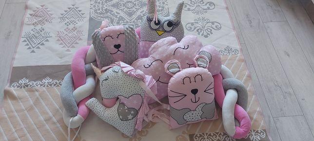 Бортики ( м'які іграшки - подушечки ) захист в ліжечко