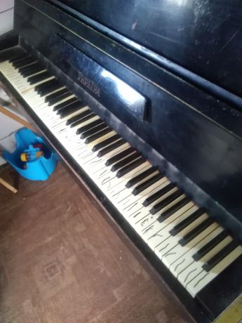 Піаніно України терміново