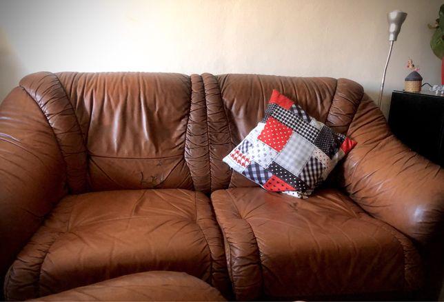 Sofá e poltrona em couro
