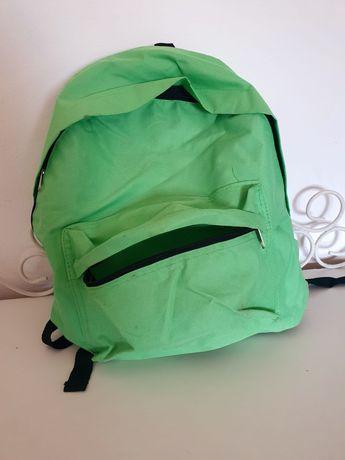 Mochila Verde Básica