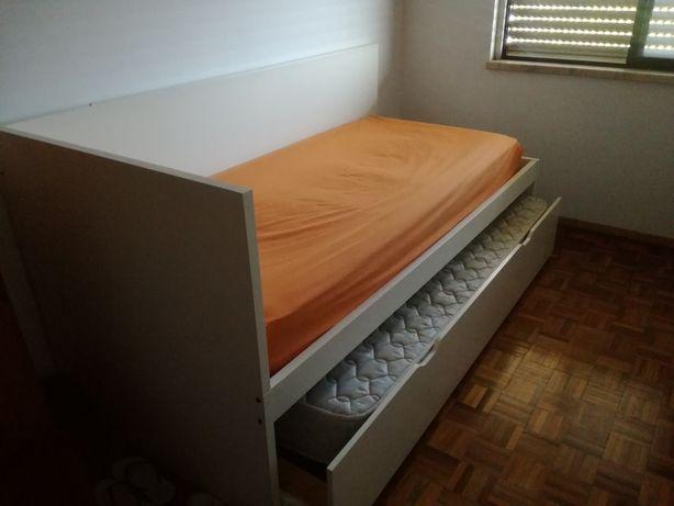 Cama Dupla IKEA - Modelo descontinuado.