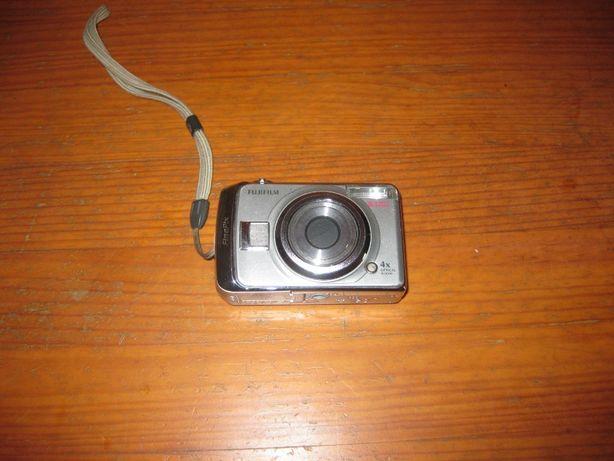 Máquina fotográfica Digital Fujifilm + Outra Máquina de Oferta