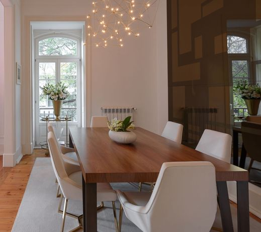 Mesa de jantar feita por medida e 6 cadeiras