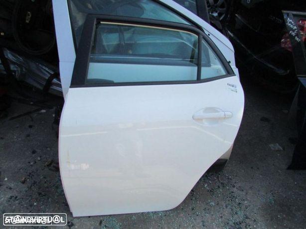 Porta Tras Esquerda Toyota Auris do ano 2011