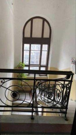 Продам четырехкомнатную квартиру в историческом центре в бельгийке