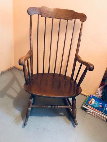 Duży, wygodny fotel bujany drewniany
