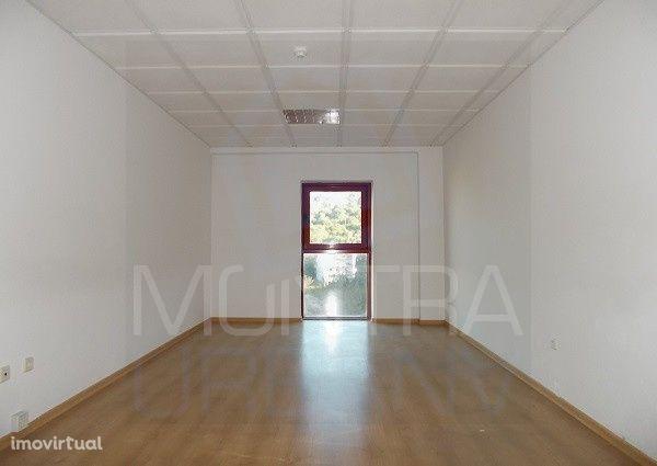 ESCRITÓRIO (31 m2) - 2º Andar, Sala 205 - TORRE BRASIL - JUNTO ao PARQ