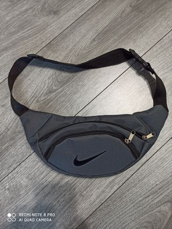Бананка Nike сіра