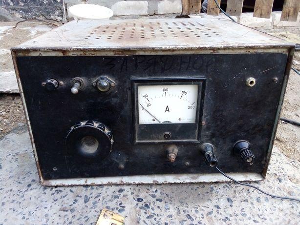 Зарядное Пусковой устройство