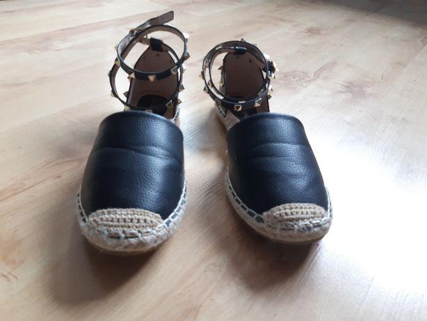 czarne sandałki z ćwiekami, DEEZEE, rozmiar 40