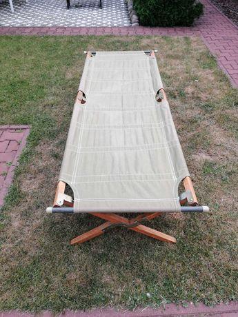 Wojskowe łóżko polowe