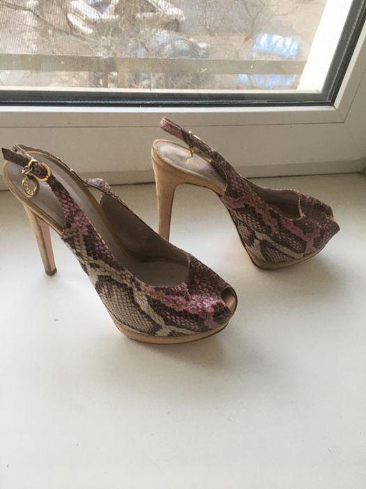 Туфли , босоножки на шпильке roccobarocco Алексеевка - изображение 1