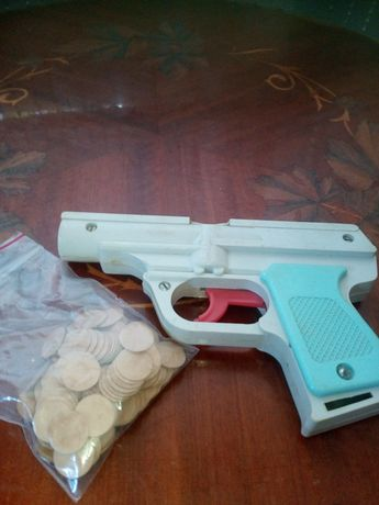 Детский пласмассовый советский пистолет на пульках