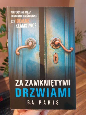 Książka,  Za zamkniętymi drzwiami.