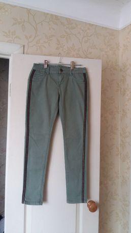 Стильные джинсы с лампасами на девочку 13 лет от Here&There