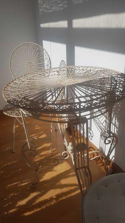 Conjunto Mesa e cadeiras de jardim francês, antiguas