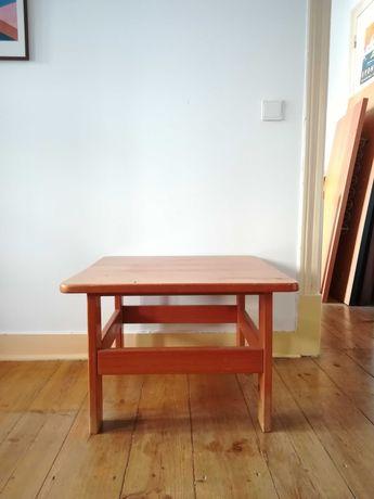 Mesa de apoio em pinho