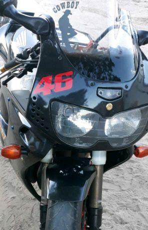 Honda cbr 900 rr 919
