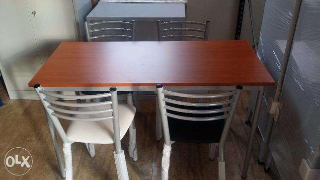Mesa 130x70 com 4 cadeiras