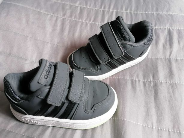 Sapatilhas Adidas 22