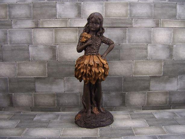 Ładna Rzeźba Postać Kobiety z żeliwa do ogrodu