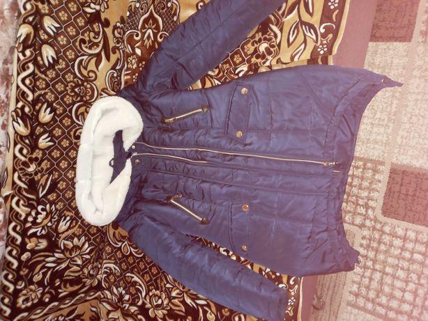 Продам жіночу зимову куртку 44 розміру