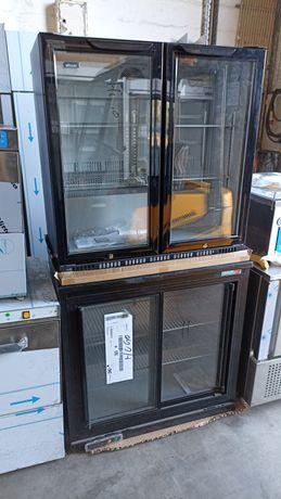 Frigobar e bancadas de frios com portas de vidro