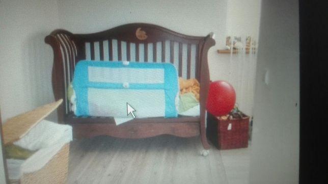 Piękne włoskie łóżeczko niemowlęce