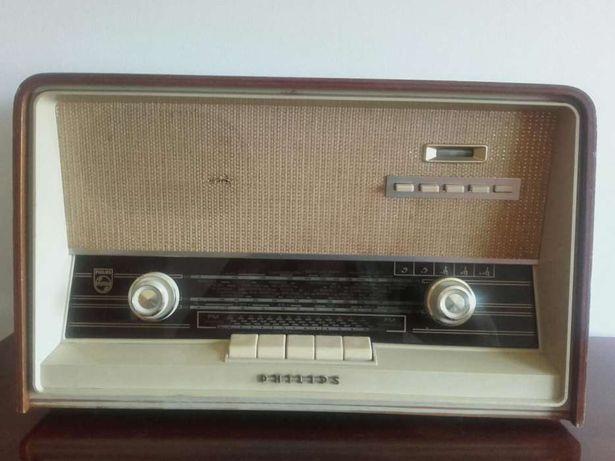 Rádio antigo anos 50