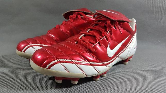 Buty piłkarskie korki Nike Noventa 90 46 30cm