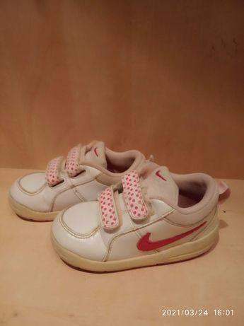 Buty, adidasy Nike roz. 25
