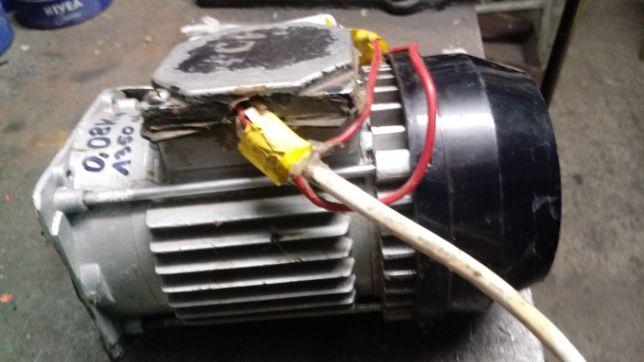 Silnik elektryczny 0.10 kW 1350 obr. 1 fazowy (230V)