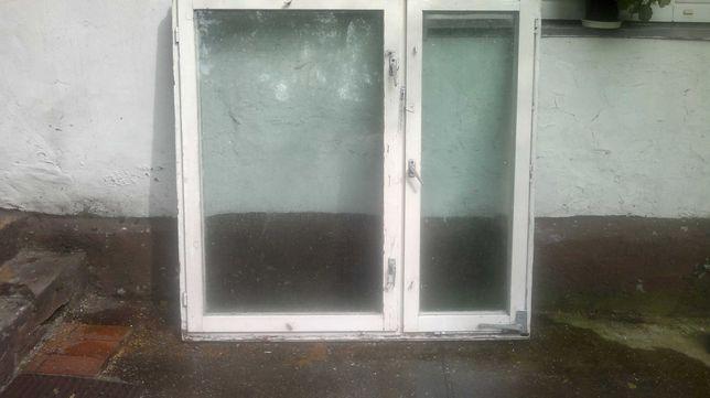 Okno z  futryna