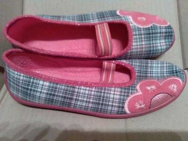 Новые туфельки тапочки макасины