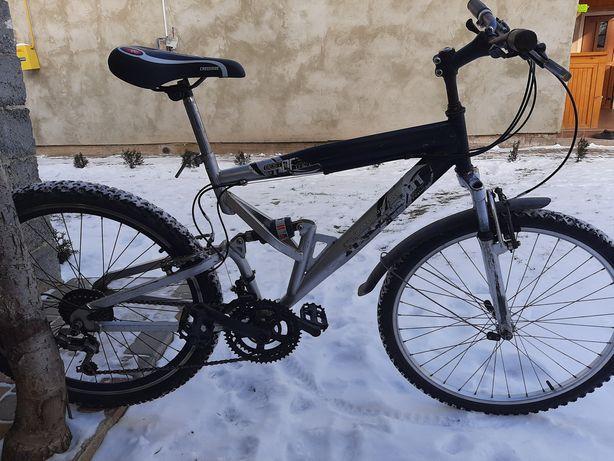 Велосипед спортивний 26