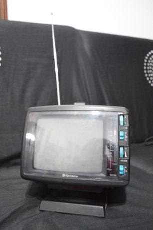 Televisão e Rádio Roadstar Portátil