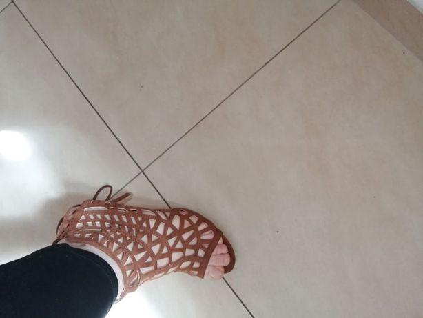 Sandały gladiatorki sznurowane 39