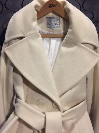 Очень красивое и очень теплое пальто, цвета слоновой кости